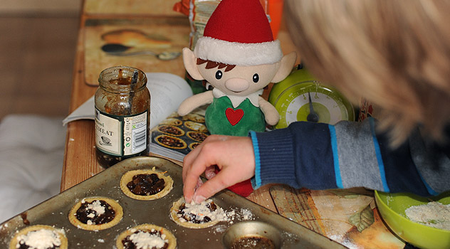 Mince Pies Recipe Baking with Christmas Elf