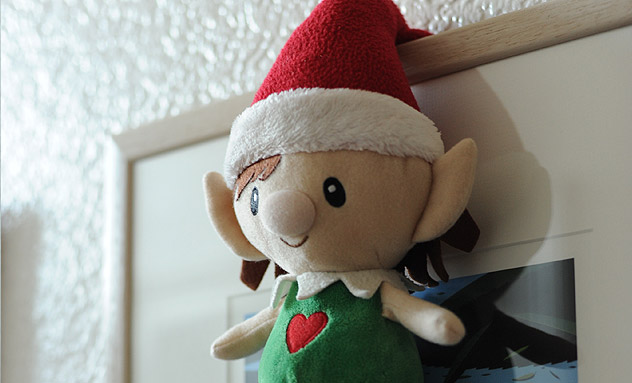 Elf mischief idea - hanging on picture frame